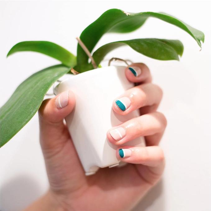 alternate fingers