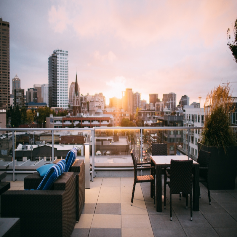 Fun Rooftops around NYC That Are Perfect for the Warm Weather!
